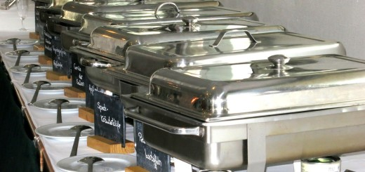 Wärmebehälter am Buffet